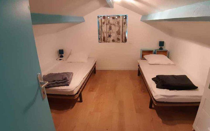 chambre d'une location de vacances à la Guérinière Noirmoutier